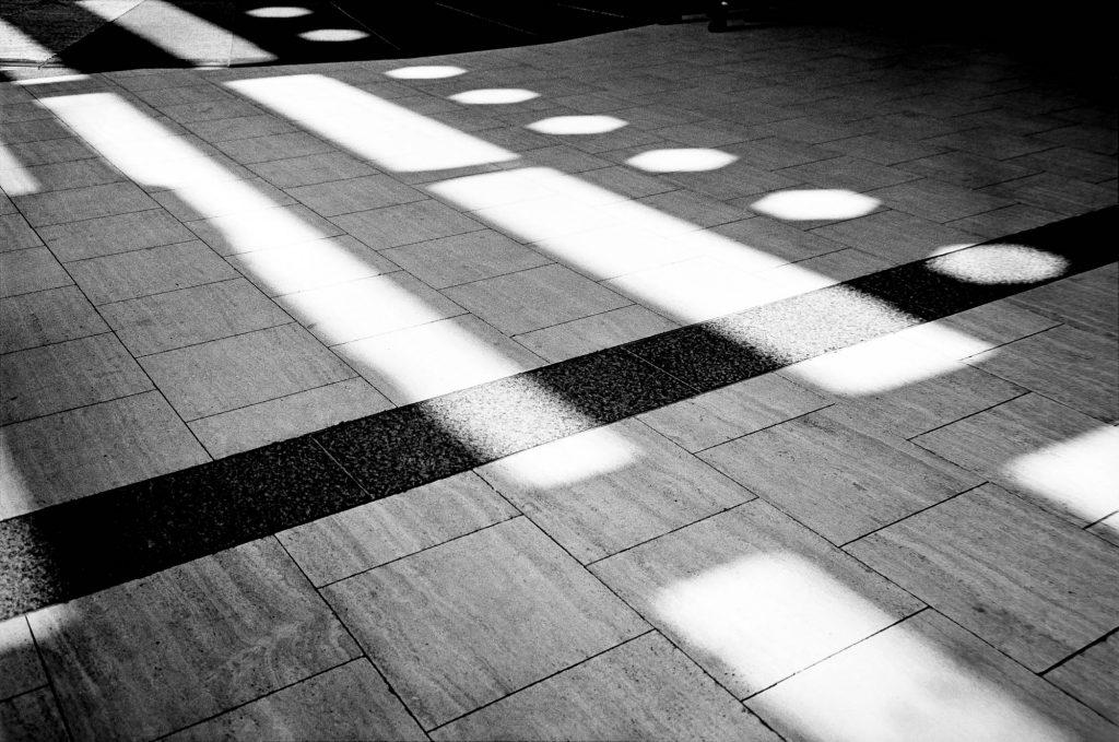 London Light Leaks. Leica M2, Voigtländer 35mm f/1.7 Ultron. XTOL stock @20°C. Box speed.