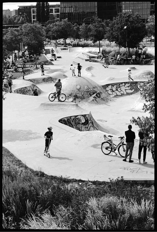 Frankfurt Skate Park. Leica M2, Leica-M Elmarit 90mm f/2.8, yellow filter #12. XTOL stock @20°C, box speed. Post in LR