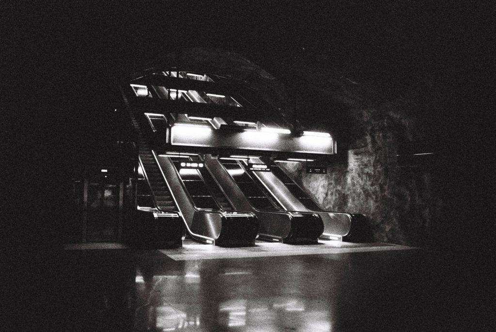 Stockholm underground shot at box speed